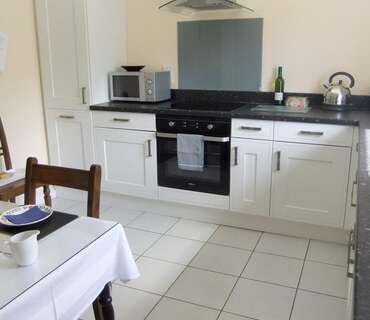 Studio Self-Catering Apartment (Breakfast Not Available)