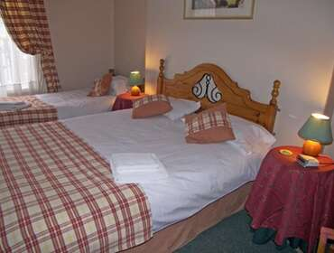 1st Floor Family En-suite Room (Inc Breakfast)