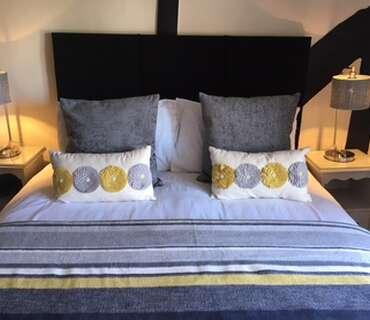 Waterfields - ROOM 2 (Superior Double En-suite inc. Breakfast).