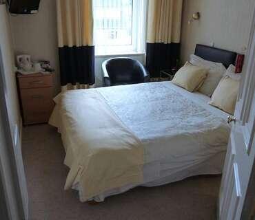 Room 6 Deluxe Double En-suite Room (Breakfast not included )