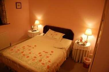 Double En-suite Room -pink Room-week-end Saver