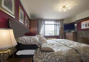 King Size Bed En-suite [incl Breakfast]