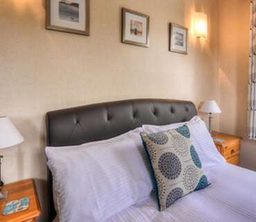 Room 4:Double Room With En-suite. Breakfast Inc. (Non Refundable)