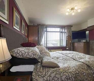 King Size Bed En-suite [inc Breakfast]