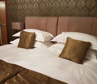 Deluxe Super King Size Double En-suite Room (inc. Breakfast)