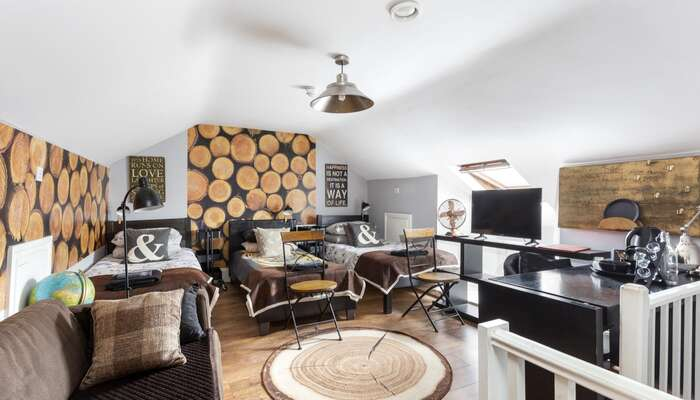 The Loft Room For Six People * (6 Adults)