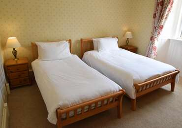Twin En-suite Room (inc. Breakfast) Room 4