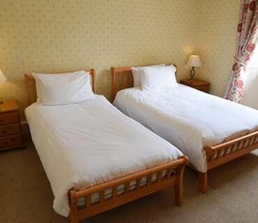 Twin En-suite Room (inc. Breakfast) Room 4