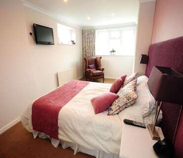 Sir Noel Murless - Large Double Ensuite Room (Inc. Breakfast) - Sleeps up to 2 adults & One child/t