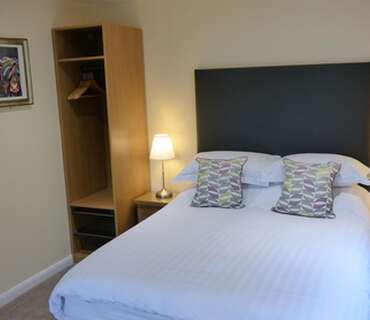 R4 Double Room (inc. Breakfast)