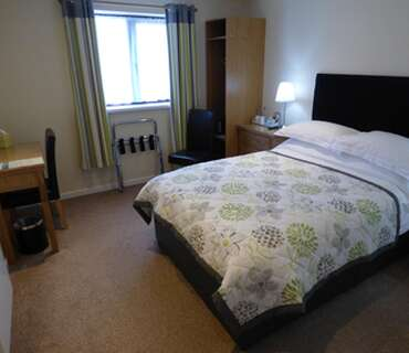 R9 Double Room En-suite In Annex