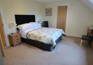 R7 Double En-suite Room In Annex