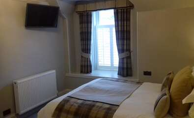 Lovely Room With King Size Bed+ sitting room en-suite