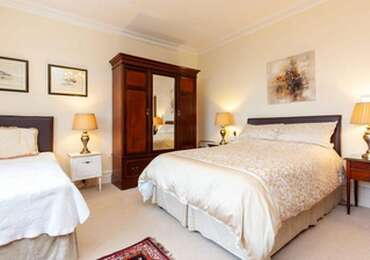 Double with Private Bathroom and Garden View