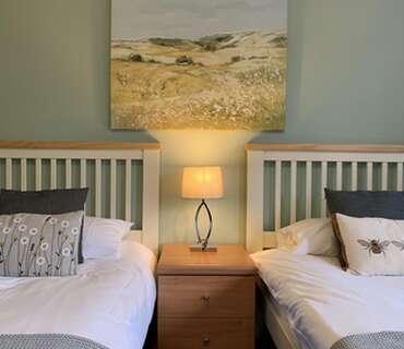 Twin En-Suite Garden Room & Breakfast & WIFI