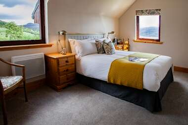 2.A Double En-suite with Loch view.