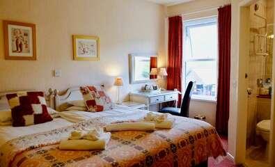 Double En-suite inc Breakfast Room 5