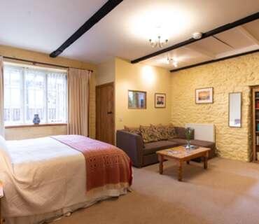 Superior Super King Size Double En Suite Bedroom with Breakfast