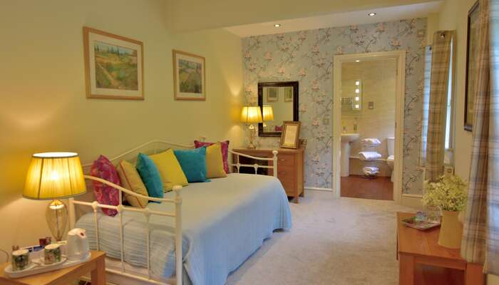 Luxury Ensuite Family Room With Breakfast