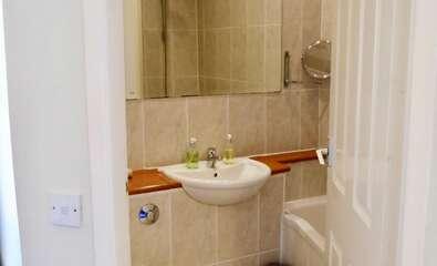 Double En-suite Bathwith Shower inc Breakfast Room 6