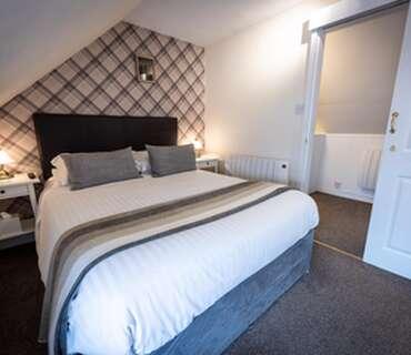 Double En-suite Room 5 (inc. Breakfast)