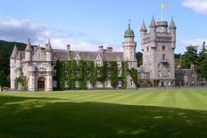 Balmoral Castle (20 minutes by car)