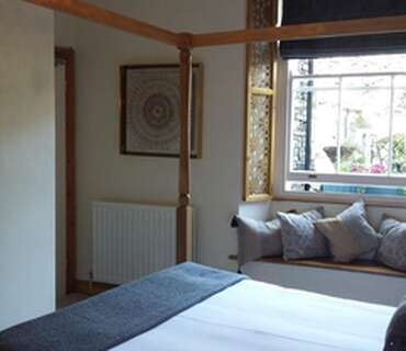 King Room with Four Poster Bed(Inc Breakfast)
