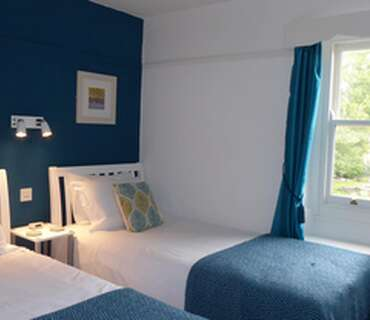 Standard Twin Bed with en-suite shower, Room 4