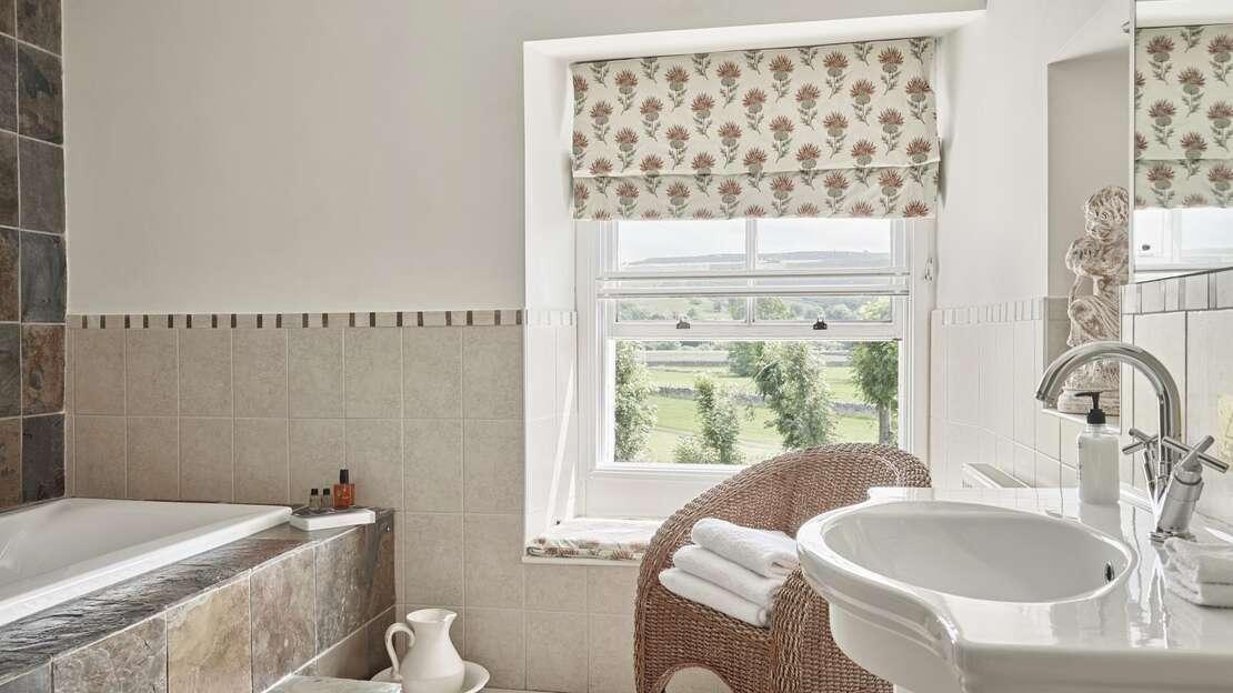 TAK-Room-Littondale-Bathroom.jpg_1564860091