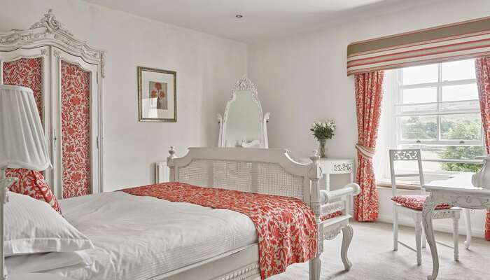 Luxury Double En-suite Room (inc. Breakfast)