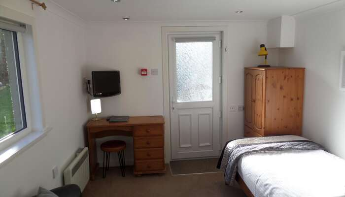 ROOM 3 Studio Single En Suite (inc Breakfast)