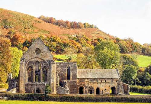 Valle Crusis Abbey - 2.1 miles