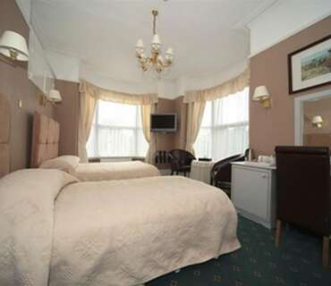 Superior Twin With Double Bed