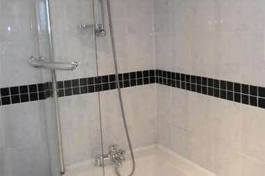 Economy Double Room with En-Suite - Single Occupancy