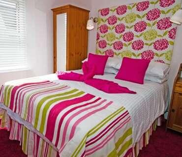 Rose Double -Room Only-En-suite