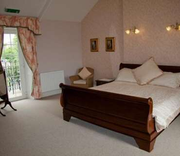 Luxury Triple En-suite Two Bedroom Suite (inc. Breakfast)
