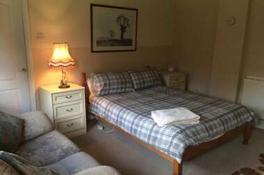 Double bed room on suite! single person