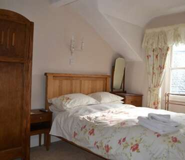 Room 4.Double en-suite room withbreakfast.