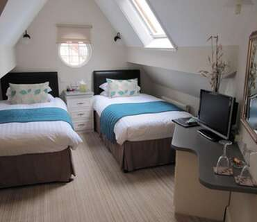 Room 7 - Twin En-suite Room (inc. Breakfast)