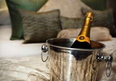 Deluxe Luxury Superking En-suite Room (inc. Breakfast)