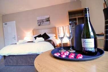 Deluxe en-suite room (Breakfast and Dinner)