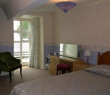 Twin En-suite Room (inc. Breakfast-5)