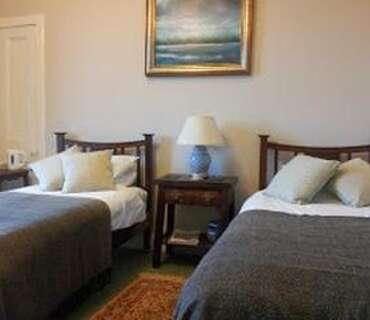 Yarrow - Twin En-suite Room