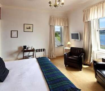 Sea View Double En-suite Room (inc breakfast)
