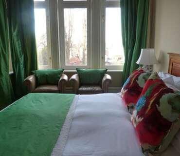 Luxury King Room, En-suite. (inc Breakfast)