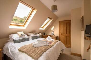 Superking Double En Suite Room (inc Breakfast)