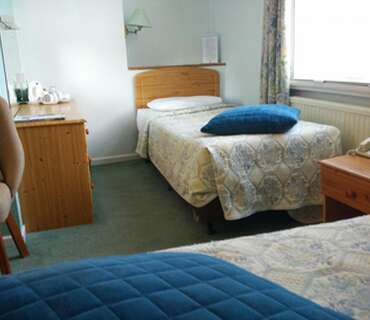 Standard twin room (single occupancy), with ensuite bathroom