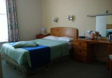 Standard double room (single occupancy), with ensuite bathroom