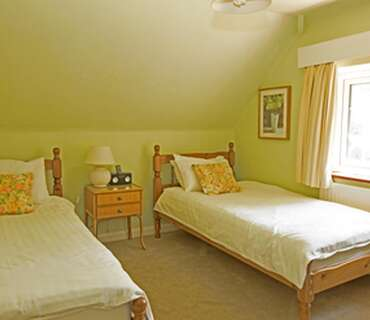 Twin Room - First floor (has use of shared ground floor bathrooms) - Breakfast included