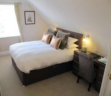 Room 8 - Superior King En-suite Room (inc. Breakfast)